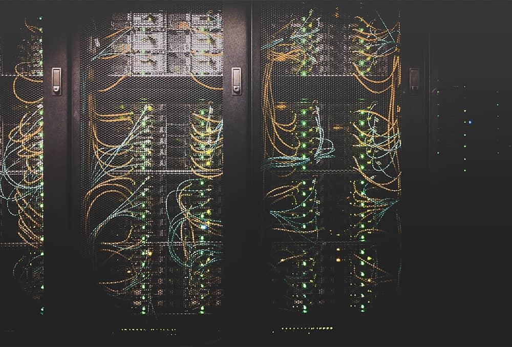Was ist die Voraussetzung für die Verbindung zu einer Datenbank in einer SQL-Datenbank?